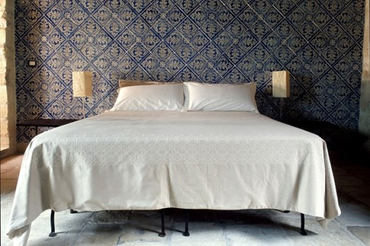 Photo Source: http://www.houseandgarden.co.uk/interiors/feature-wall-ideas/bedroom-pattern