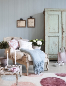 Inspiring-interiors-showcasing-shabby-chic-style_designinvogue_3