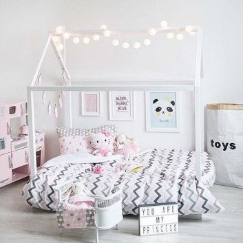 pink_house_bed