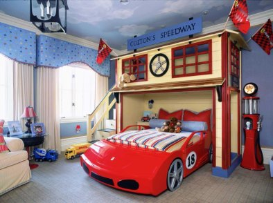 Race-car-themed-bedroom-4