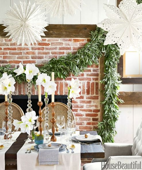 gallery-1448464462-christmas-garland-copy