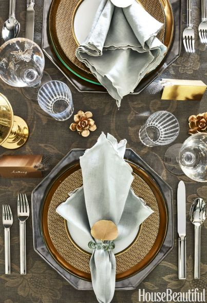 gold-and-silver-place-setting