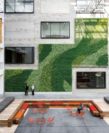 thumbs_31384-courtyard-888-brannan-street-gensler-0115.jpg.770x0_q95